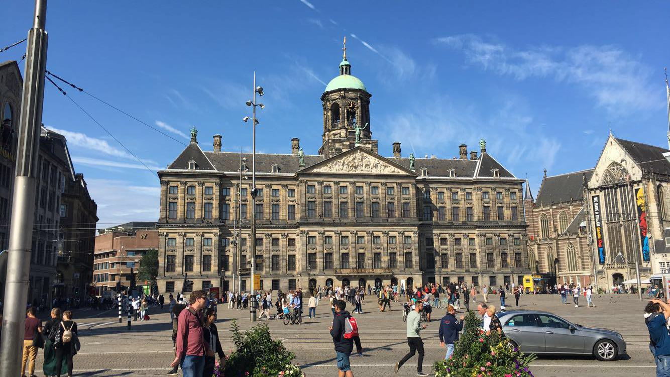 4 days in amsterdam living with scoliosis for Dam in amsterdam